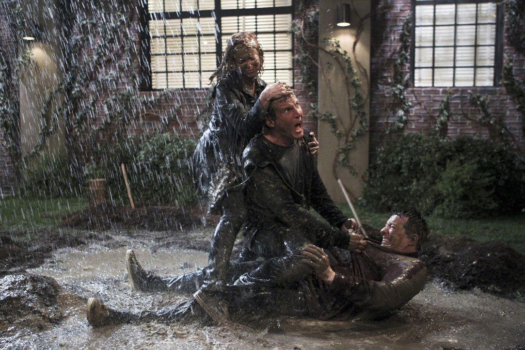 Was ist mit Nathan (Will Arnett, M.), Kip (Sean Hayes, r.) und Debbie (Jayma Mays, l.) nur los? - Bildquelle: 2014 CBS Broadcasting, Inc. All Rights Reserved.