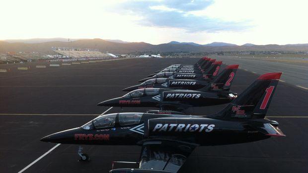 Das Jet Team ist nervös. Beim größten Kunstflug-Event des Jahres in Reno sitz...