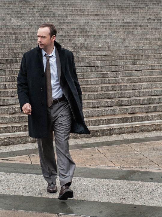 Nicht nur, dass Kokain in seinem Kofferraum gefunden wurde, Danny (Donnie Wahlberg) muss jetzt auch noch damit umgehen, dass ein Einbrecher die Waff... - Bildquelle: Tom Concordia 2012 CBS Broadcasting Inc. All Rights Reserved.