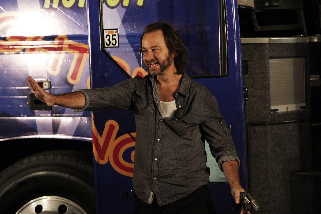 Don und sein Team haben vier Stunden, um einen mit 18 Personen besetzten Bus aus der Hand von vier Geiselnehmern zu befreien. Der Anführer der Geis... - Bildquelle: Paramount Network Television