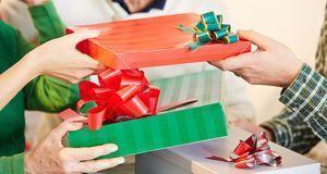 Weihnachtsgeschenke_2015_09_09_Julklapp Regeln_Bild 2_fotolia_Robert Kneschke