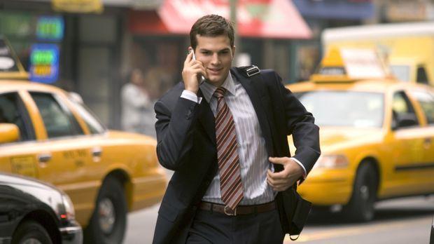 Simon Green (Ashton Kutcher) ist jung, verlobt und erklimmt die Karriereleite...