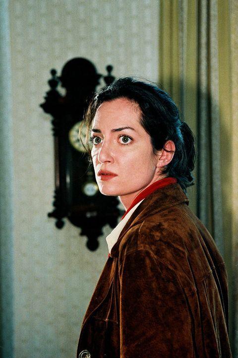 BKA-Agentin Helling (Natalia Wörner) ahnt nicht, dass sie mit dem Täter zusammenarbeitet ... - Bildquelle: Grabka Sat.1