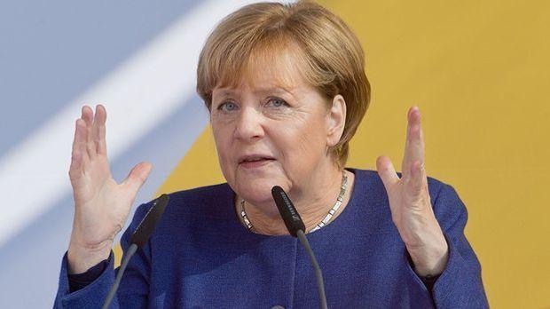 Merkel: SPD soll sich von Rot-Rot-Grün abwenden