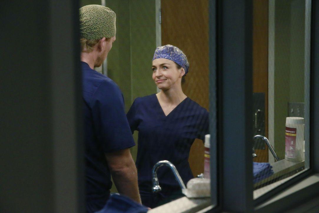Während im Krankenhaus, der Alltag weitergehen muss, muss Owen (Kevin McKidd, l.) Amelia (Caterina Scorsone, r.) die schreckliche Nachricht von Dere... - Bildquelle: ABC Studios