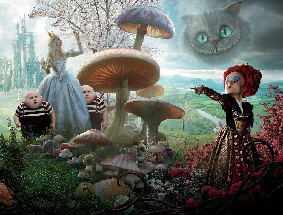 Die Rote Königin (r.) hat ihre Schwester, die weiße Königin (2.v.l.) gestürzt und die Macht übernommen. Von nun an lässt sie ihre Minderwertig... - Bildquelle: Leah Gallo Disney Enterprises, Inc. All rights reserved