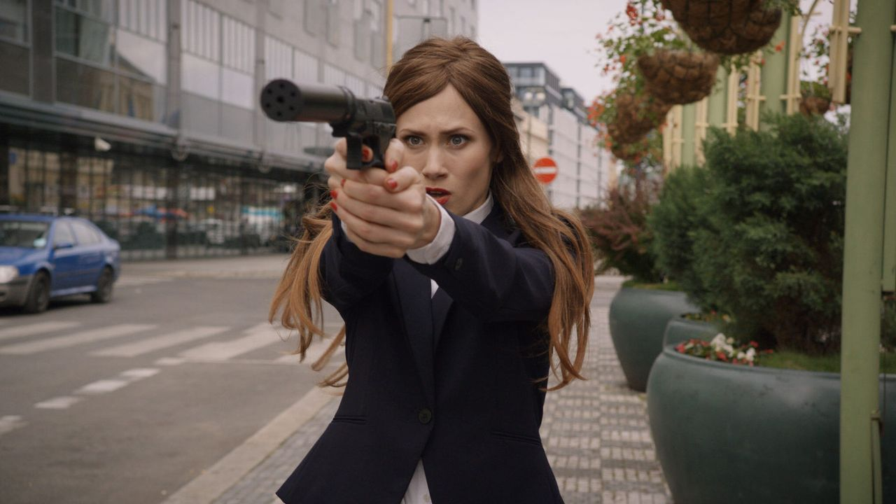 Kann das ICC-Team den Anschlag der russischen Agentin Valentina Michailova (Alina Levshin) auf den Chef der Rumänischen Freiheitspartei noch verhind... - Bildquelle: Tandem Productions GmbH. All rights reserved.