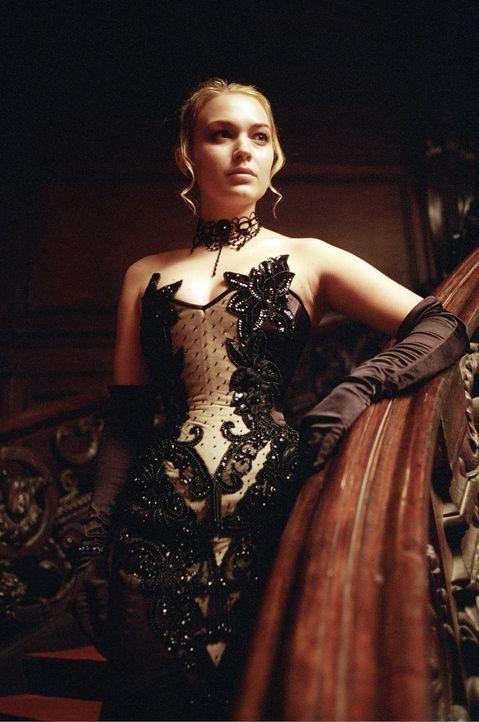 Das wunderschöne Geschöpf der Dunkelheit, Erika (Sophia Myles), gehört zu einem mondänen Clan der Vampire, gegen die weder Kreuze noch Knoblauch wir... - Bildquelle: 2003 Lakeshore Entertainment Group LLC. All Rights Reserved.