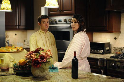 Wilfred - Kristen (Dorian Brown, r.) plant für ihren Chef Dr. Ramos eine Gart...