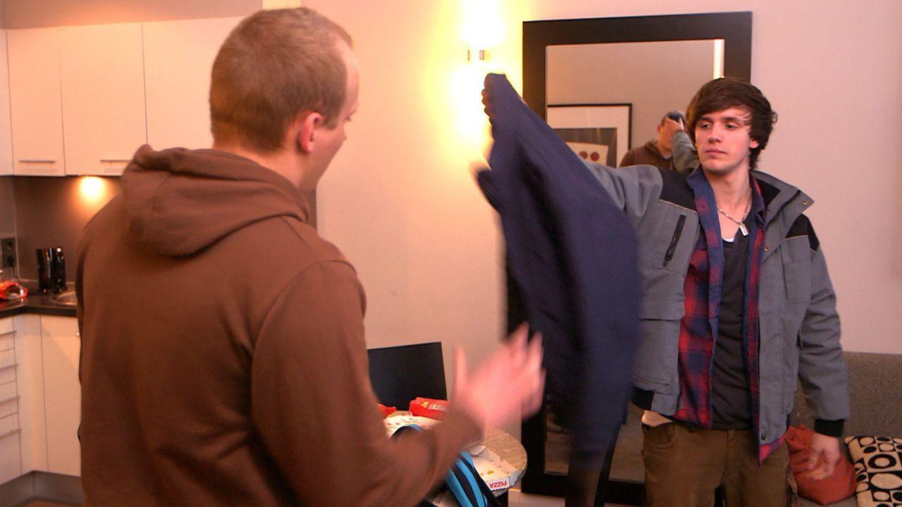 Finden die ultimative Lösung, wie sie an ganz viel Kohle kommen: Jeremy (l.) und Rudi (r.) ... - Bildquelle: SAT.1