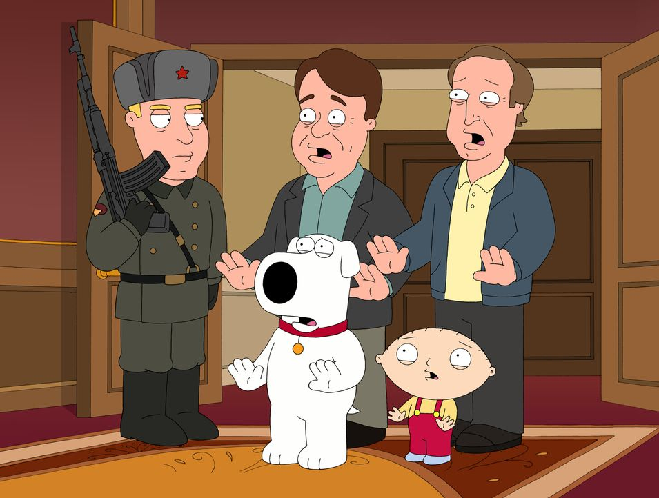 Brian (vorne M.) und Stewie (vorne r.) finden heraus, dass Dan Aykroyd (hinten M.) und Chevy Chase (hinten r.) als Geheimagenten für  die amerikanis... - Bildquelle: 2007-2008 Twentieth Century Fox Film Corporation. All rights reserved.