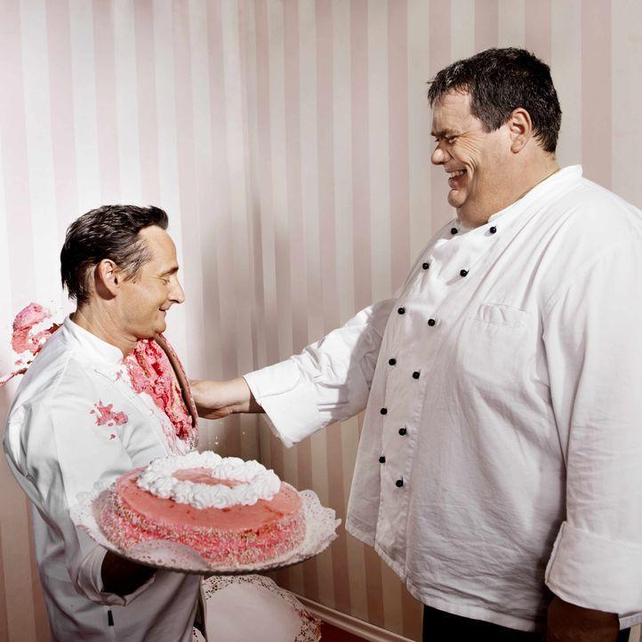 Die Hamburger Originale Frank Steidl (l.) und Thomas Horn (r.) sind Konditormeister der Extraklasse. Ihre Spezialität: Mega-Torten. - Bildquelle: kabel eins