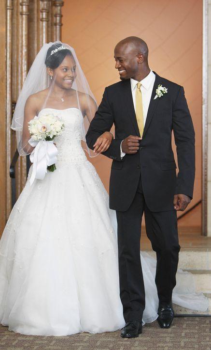 Nach anfänglichen Schwierigkeiten, kann sich Sam (Taye Diggs, r.) für seine Tochter Maya (Geffri Maya, l.) freuen und geleitet sie sogar zum Altar .... - Bildquelle: ABC Studios