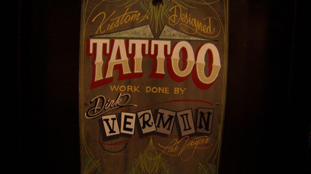 Tattoo-Legende Dirk Vermin macht sich auf nach Las Vegas, der Hochburg der schlechten Tätowierungen. Ob er und sein Kumpel Ruckus den Kampf gegen ve... - Bildquelle: 2013 A+E Networks, LLC