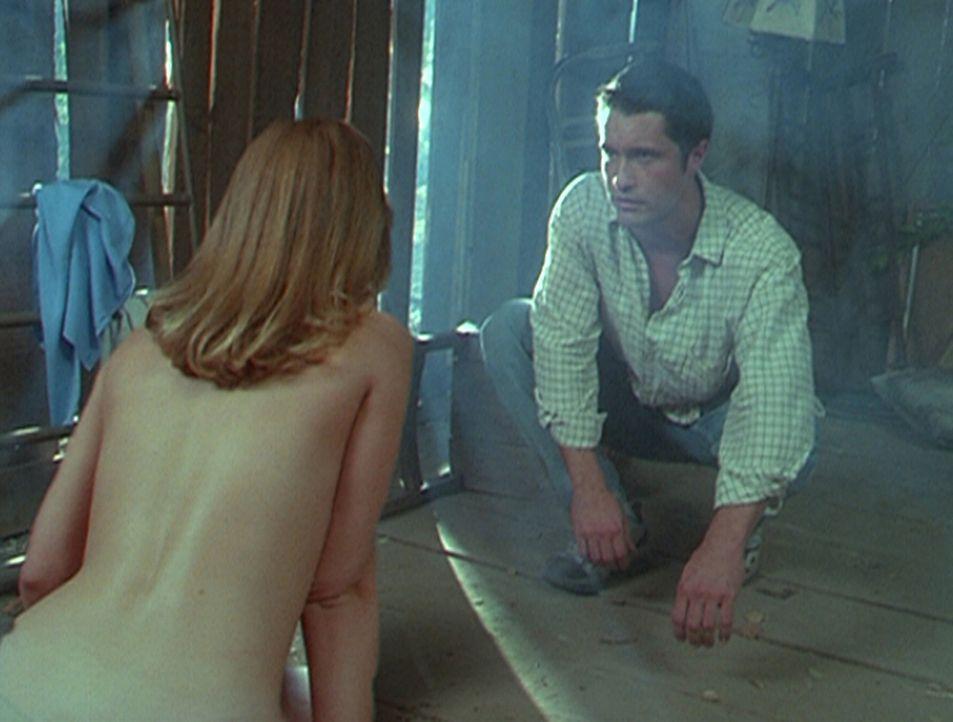 Brooke (Elisabeth Harnois, l.) sieht ihren Geliebten Christopher (Michael Dietz, r.) jeden Tag nur für wenige Sekunden, da ein Fluch auf ihnen laste... - Bildquelle: Paramount Pictures