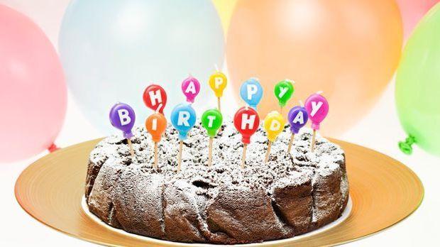 Backrezept: Über diesen Schokoladen-Kuchen freuen sich nicht nur Geburtstagsk...