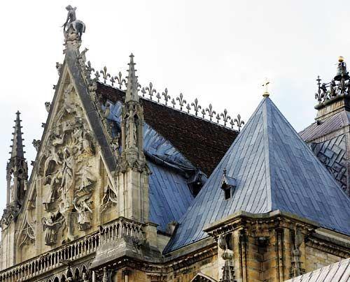 Von 1180 bis 1270 wurde in Frankreich geradezu um die Wette gebaut: Im ganzen Land entstanden etwa 80 Kathedralen und beinahe 500 Klöster.  - Bildquelle: AFP