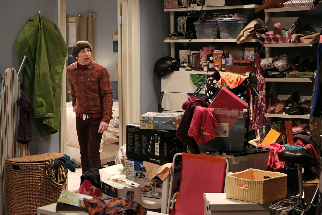 Um Ordnung in ihre Abstellkammer zu bekommen, haben Howard (Simon Helberg) und Bernadette eine ganz besondere Idee ... - Bildquelle: Warner Bros. Television