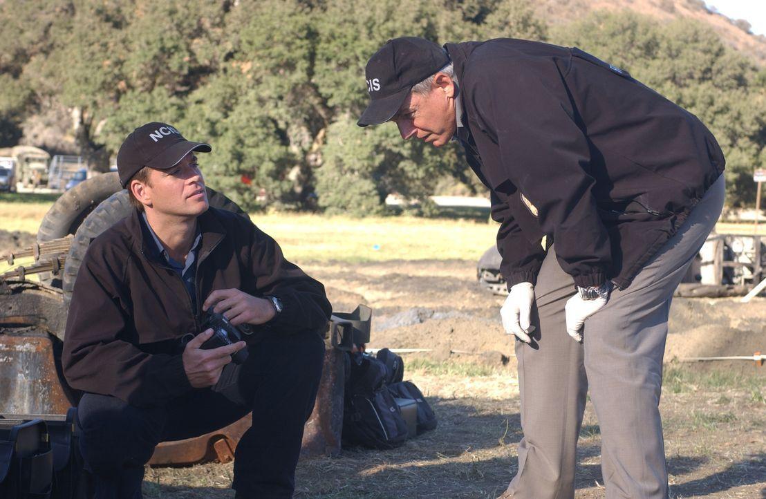 Werden sie den Täter überführen können?: Tony (Michael Weatherly, l.) und Gibbs (Mark Harmon, r.) ... - Bildquelle: CBS Television