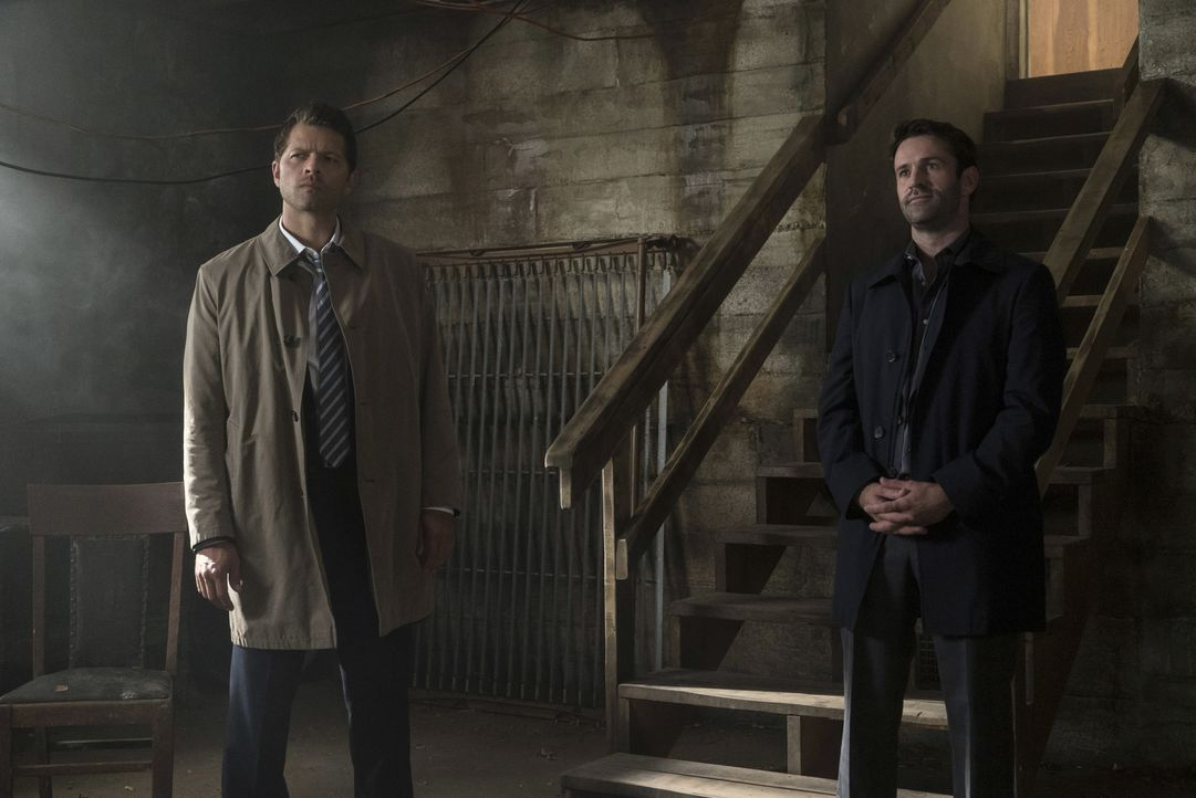 Castiel (Misha Collins, l.); Mick Davies (Adam Fergus, r.) - Bildquelle: Katie Yu 2016 The CW Network, LLC. All Rights Reserved/ Katie Yu
