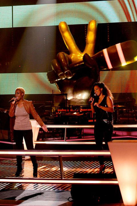 battle-nathalie-vs-asiata-15-the-voice-of-germany-huebnerjpg 1133 x 1700 - Bildquelle: SAT1/ProSieben/Richard Hübner