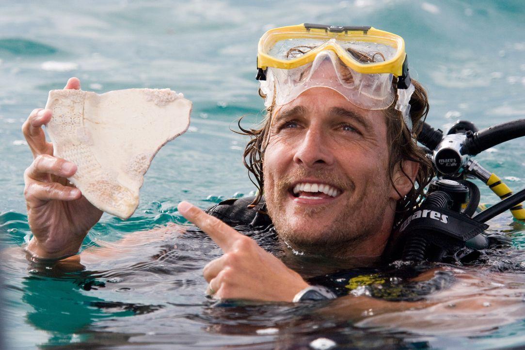 Benjamin (Matthew McConaughey) kann es nicht fassen: Seine lange Suche scheint sich endlich bezahlt zu machen ... - Bildquelle: Warner Brothers