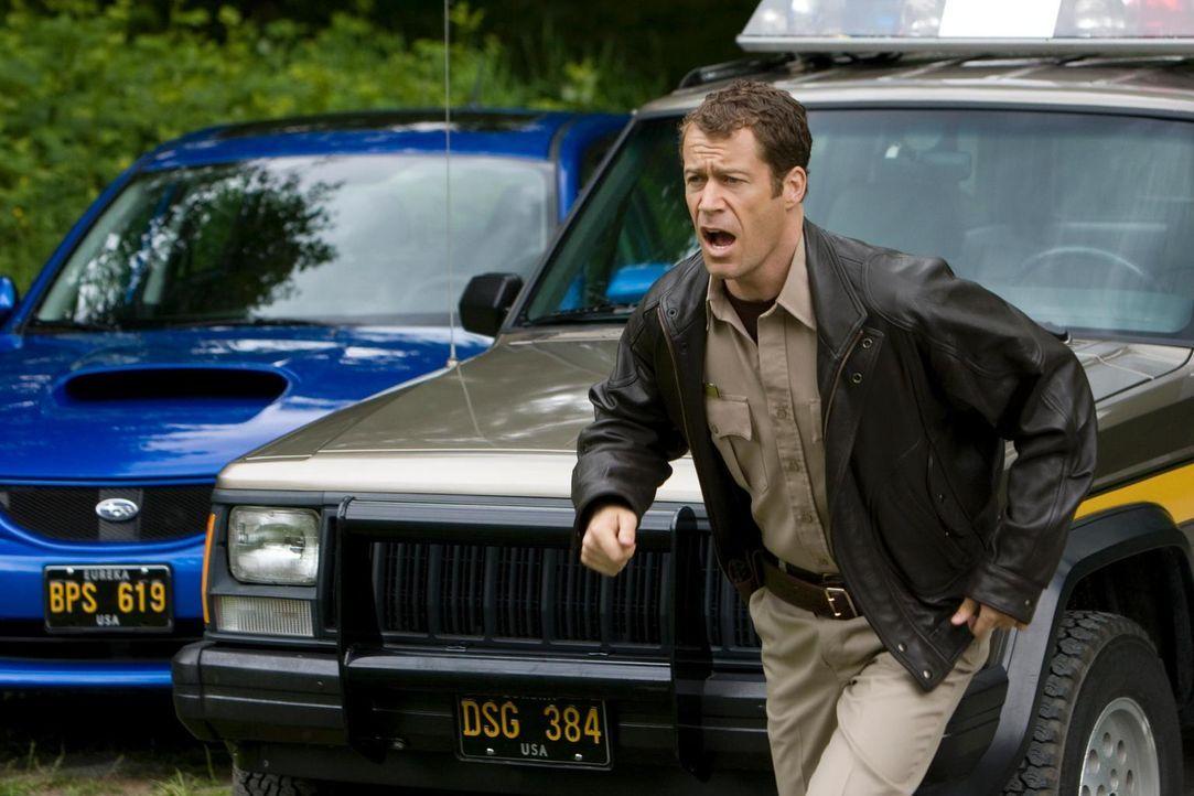 Aufregung in Eureka: Jack Carter (Colin Ferguson) ... - Bildquelle: Universal Television