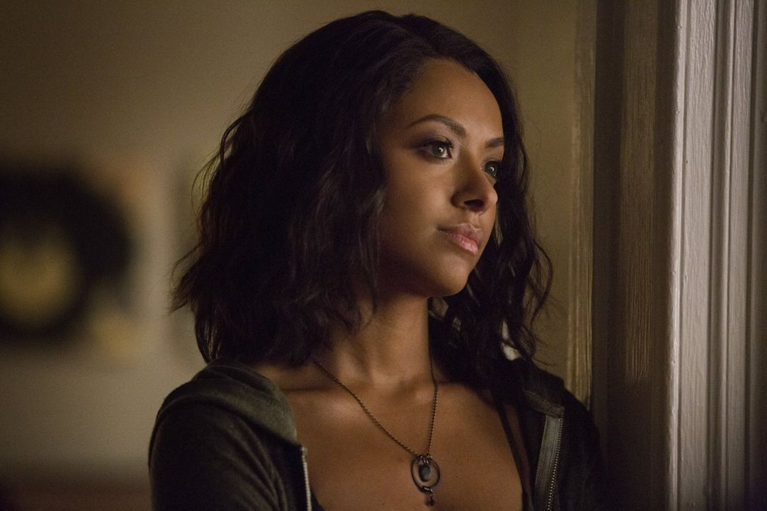 Bonnie (Kat Graham) trifft eine Entscheidung, als sie unerwartet auf Enzo trifft. Doch die Kräfte ihrer Feindin sind größer, als alle gedacht hatten... - Bildquelle: Warner Bros. Entertainment, Inc.