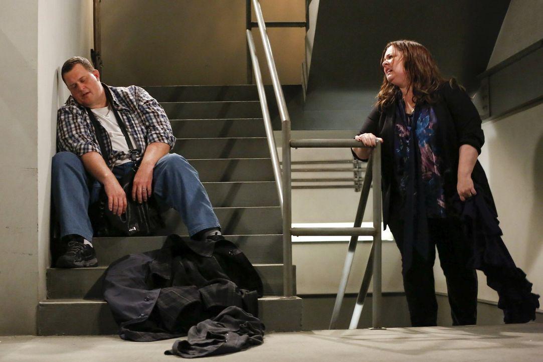 Mike (Billy Gardell, l.) und Mollys (Melissa McCarthy, r.) großes Abenteuer ... - Bildquelle: Warner Brothers