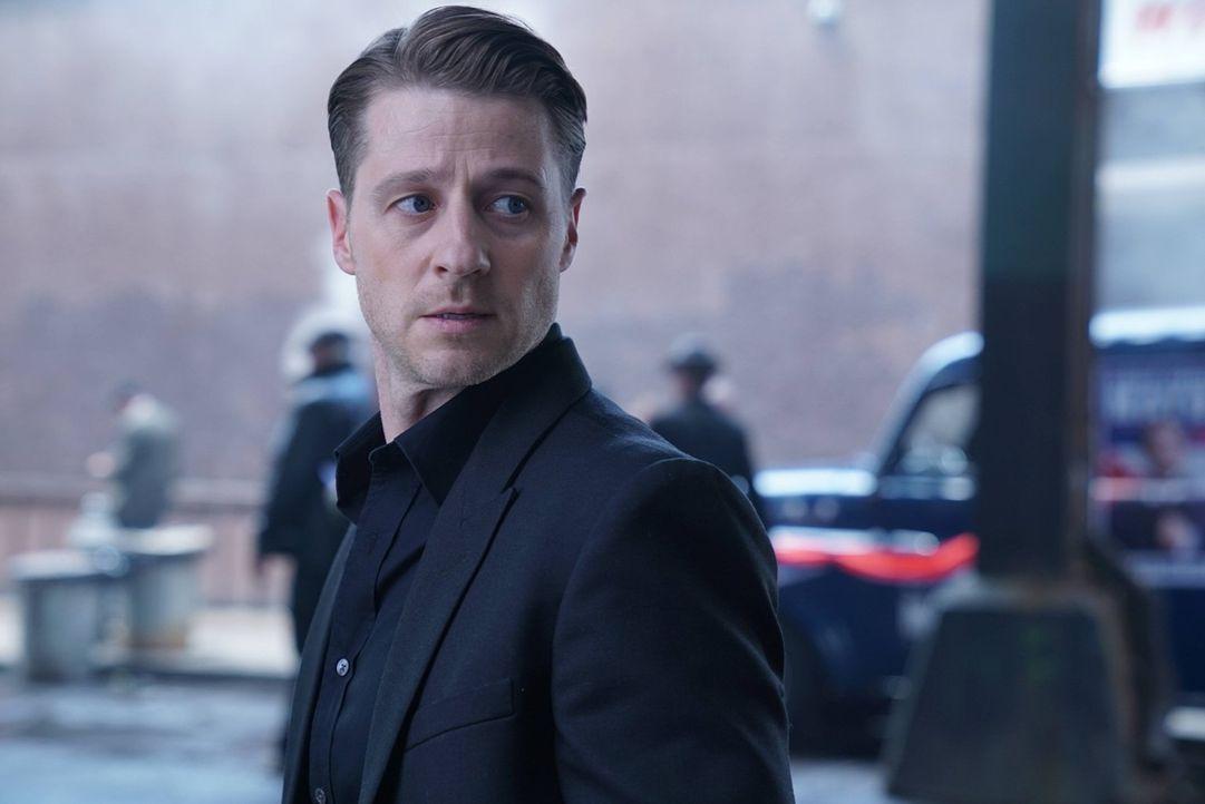 Gordon (Ben McKenzie) muss erkennen, dass er immer noch unter dem Einfluss des Hypnotiseurs Jervis steht, was ihn in eine gefährliche Situation brin... - Bildquelle: Warner Brothers