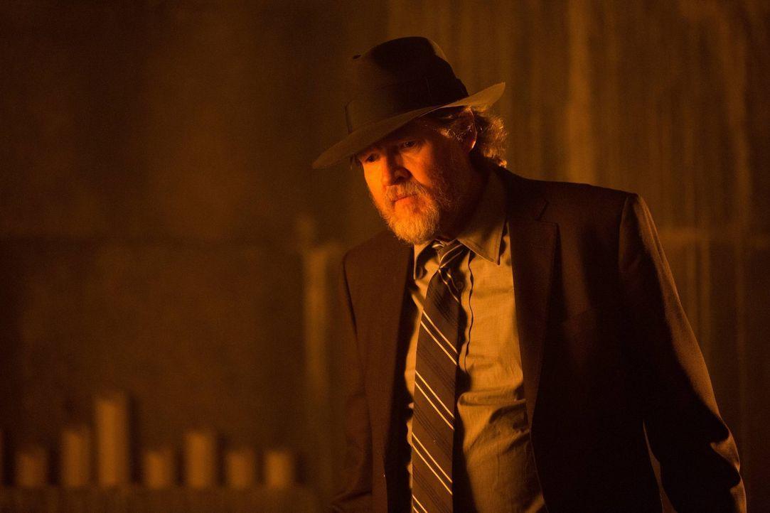 Die Kriminalität regiert noch immer die Straßen Gothams. Bullock (Donal Logue) und Gordon versuchen alles, um das Böse zu bekämpfen ... - Bildquelle: Warner Brothers