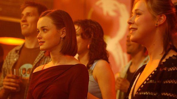 Rory (Alexis Bledel, l.) und Paris (Liza Weil, r.) wollen dem scheinbar endlo...