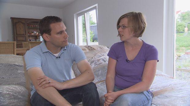 24 Stunden - Zimmer ohne Aussicht - Häuslebauer in Not: Frank (l.) und Inga P...