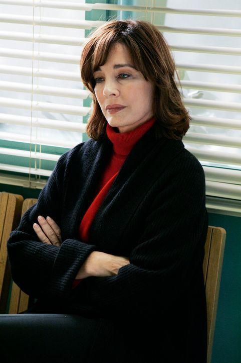 Macht sich große Sorgen um ihre Tochter: Beth (Anne Archer) - Bildquelle: ABC Studios