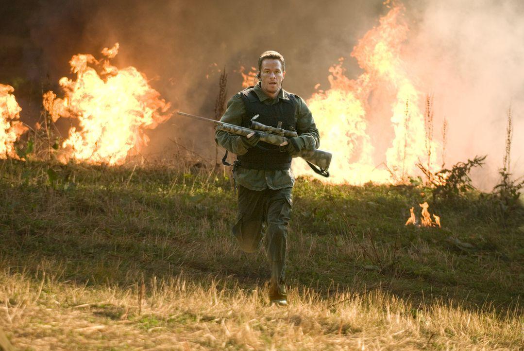 Nachdem er den Schock, ein zweites Mal reingelegt worden zu sein, überwunden hat, schießt sich Bob Swagger (Mark Wahlberg) durch die Reihen der Ve... - Bildquelle: Copyright   2007 by PARAMOUNT PICTURES. All Rights Reserved.