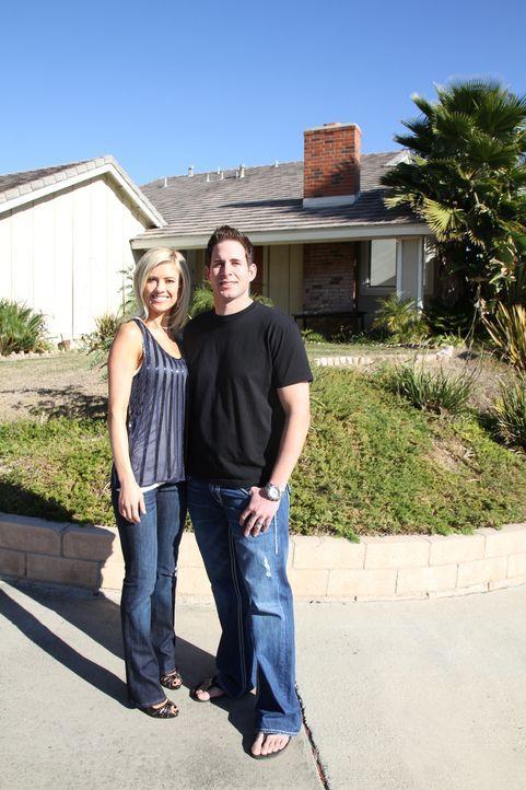 (1. Staffel) - Top oder Flop? Die Super-Makler: Christina (l.) und Tarek (r.) El Moussa kaufen preiswert Häuser auf. Sie stecken all ihre Energie in... - Bildquelle: 2012, HGTV/Scripps Networks, LLC. All Rights Reserved