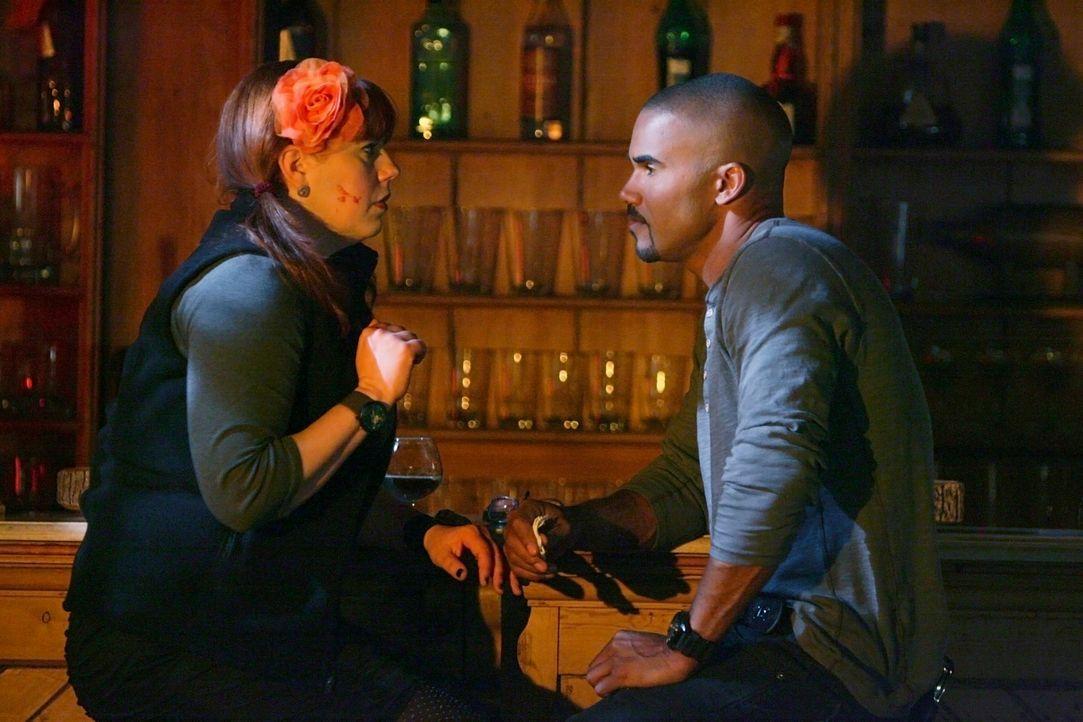 Garcia (Kirsten Vangsness, l.) spielt eine entscheidende Rolle in einem Fall, für den sie mit Morgan (Shemar Moore, r.) und dem restlichen BAU-Team... - Bildquelle: Touchstone Television