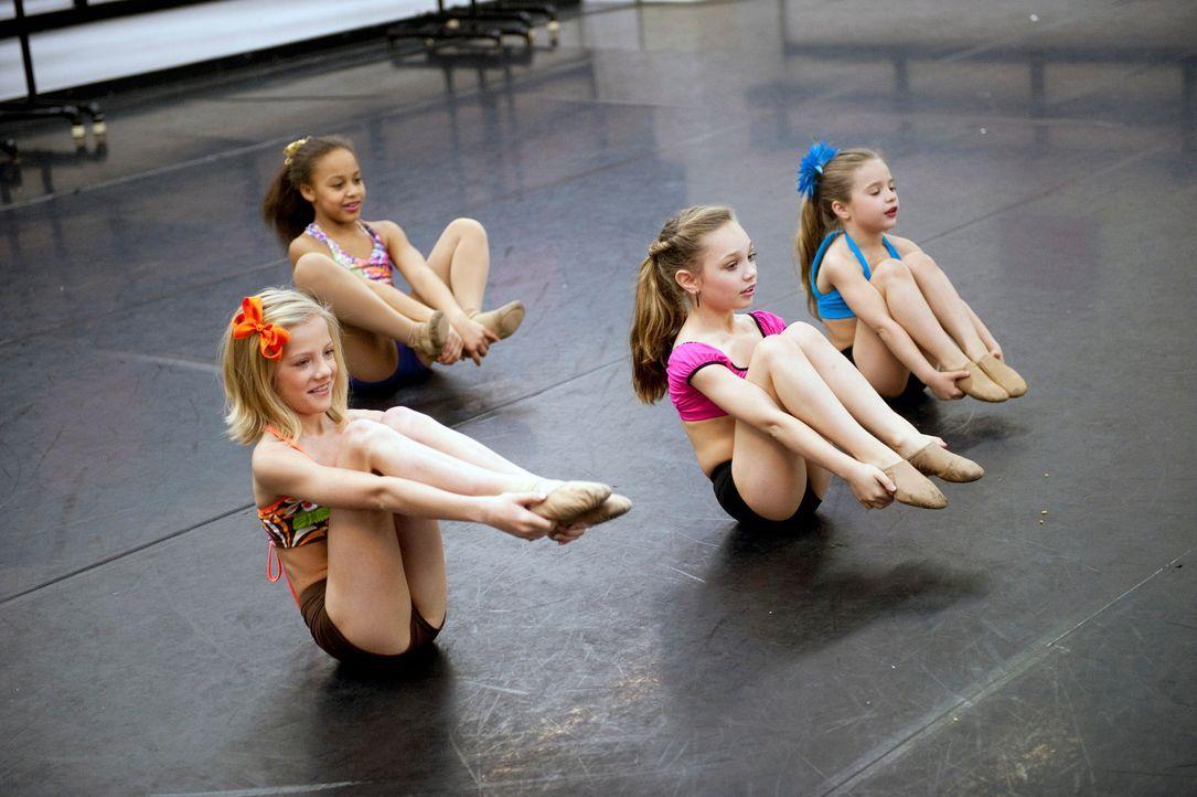Die Vorbereitungen für die alljährliche Abby Lee Dance Company Show läuft auf Hochtouren. - Bildquelle: 2011 A&E Television Networks, LLC. All rights reserved.