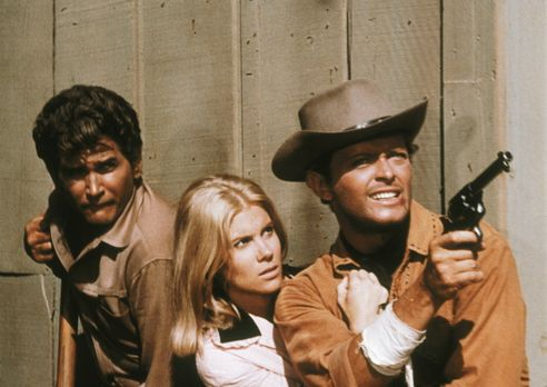 Bonanza - Hoss, Little Joe (Michael Landon, l.) und Candy (David Canary, r.)...