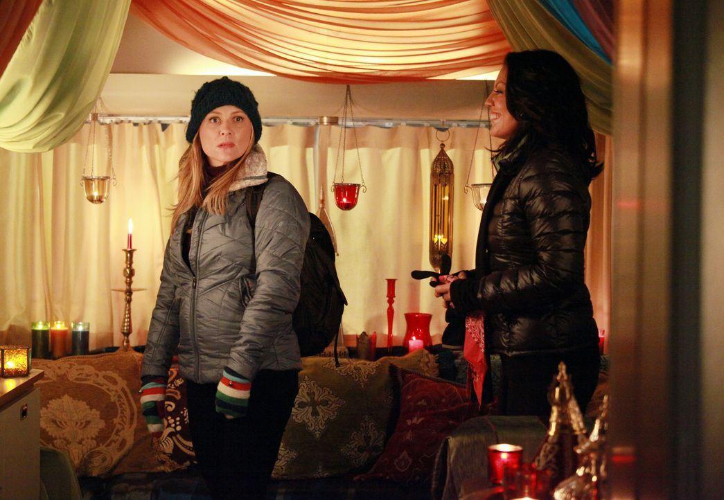Wird die Überraschung aufgehen? Callie (Sara Ramirez, r.) und Arizona (Jessica Capshaw, l.) - Bildquelle: ABC Studios