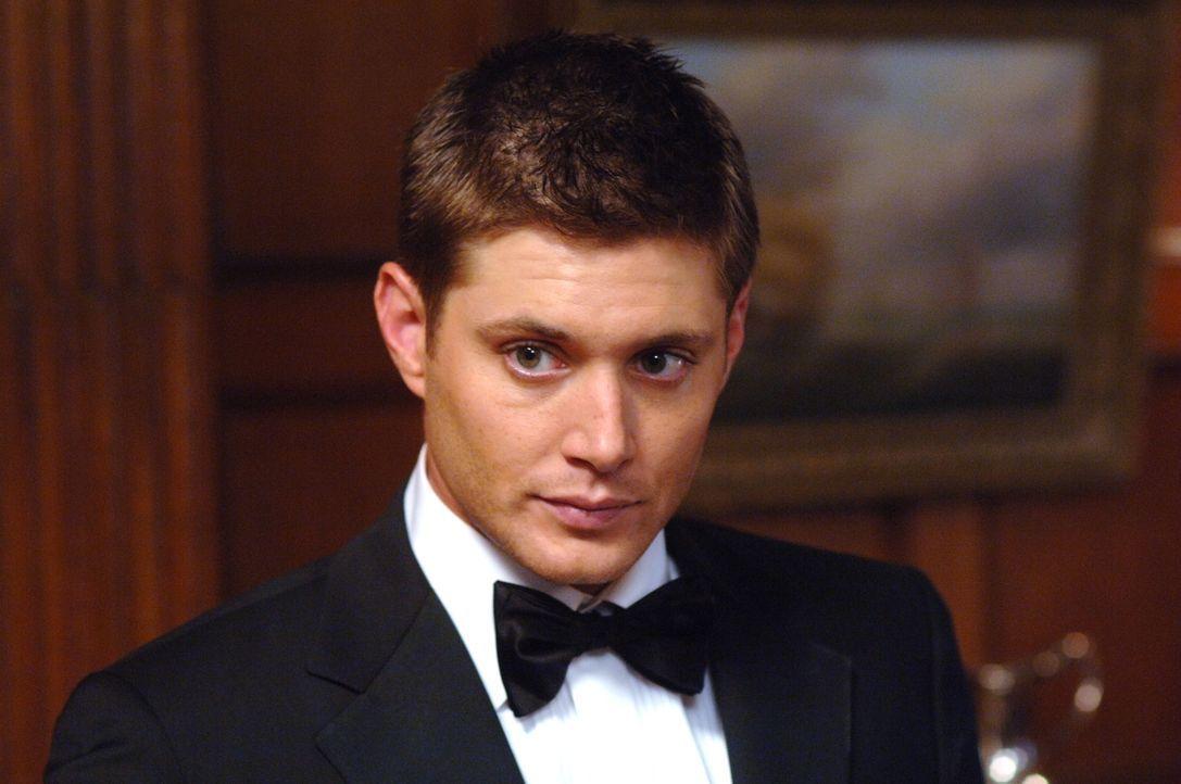 Sam und Dean (Jensen Ackles) untersuchen eine Reihe mysteriöser Todesfälle: Die Opfer sind alle ertrunken, aber am Fundort der Leichen war weit und... - Bildquelle: Warner Bros. Television