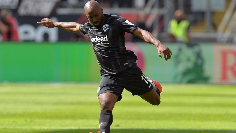 Jetro Willems fehlt der Eintracht für drei Spiele - Bildquelle: Imago