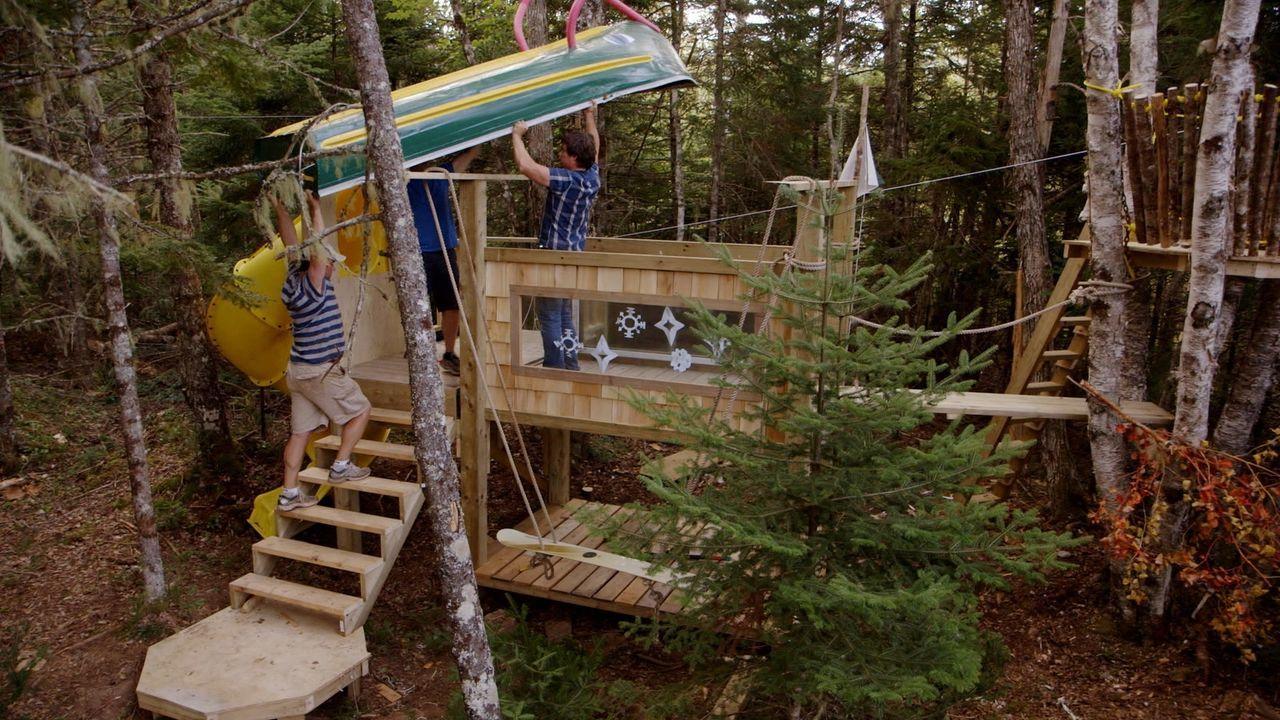 Kevin, Andrew und ihr Kumpel nehmen sich einem neuen Projekt an - sie wollen das ultimative Spielhaus für ihre Kinder bauen ...
