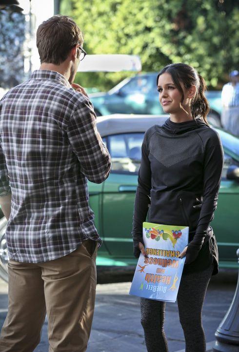 Mit vollem Elan will Zoe (Rachel Bilson, r.) die Stadtbewohner zum Abnehmen bewegen, während Joel (Josh Cooke, l.) sich um andere Probleme kümmern m... - Bildquelle: Warner Brothers