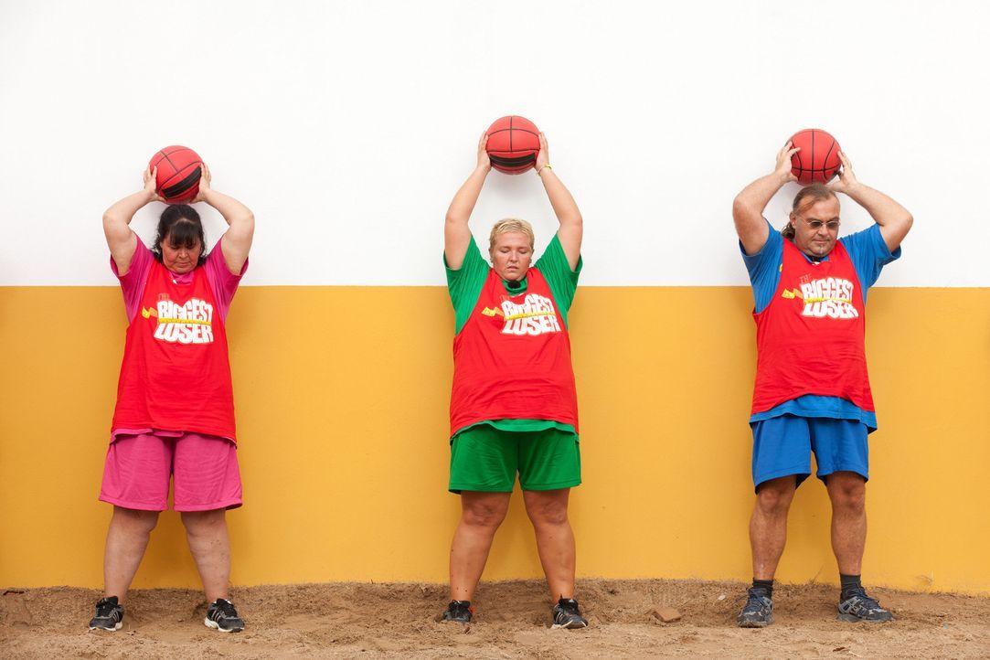 Der Sieger erhält die Immunität und ist damit sicher in der nächsten Woche dabei: (v.l.n.r.) Helga, Sandy und Ralf ... - Bildquelle: Enrique Cano SAT.1