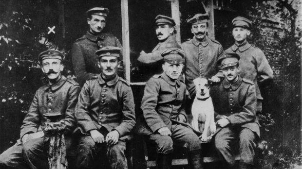 Niemand ahnte im 1. Weltkrieg, dass der unscheinbare Meldegänger und Gefreite...