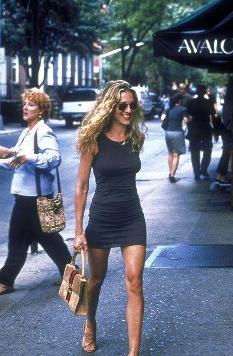 An einem wunderschönen Tag lässt sich Carrie (Sarah Jessica Parker) in dem Beauty-Center 'Avalon' verwöhnen. - Bildquelle: 2001 Paramount Pictures