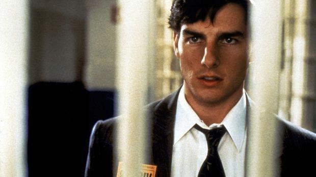 Der Anwalt Mitch McDerre (Tom Cruise) gerät durch seinen Arbeitgeber, eine An...