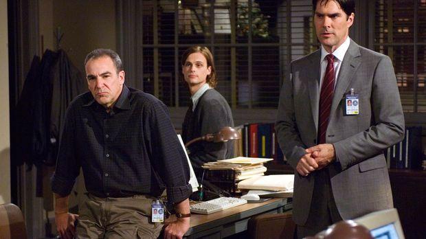 Versuchen einen Serienmörder zu stoppen: Hotch (Thomas Gibson, r.), Reid (Mat...
