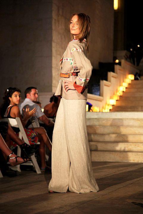 germanys-next-topmodel-stf07-epi09-fashionshow-024-prosiebenjpg 1333 x 2000 - Bildquelle: ProSieben